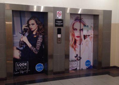 Grafica adhesiva puertas ascensor