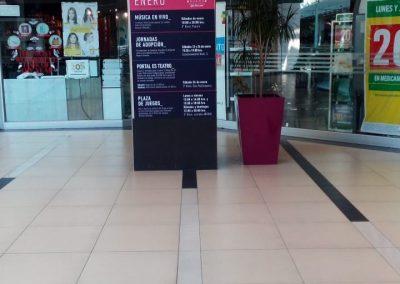 Instalacion adhesivo publicitario
